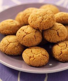 Nici nu iti imaginezi cat de usor e sa faci pricomigdale! Minunatatele pricomigdale sunt cele mai fine fursecuri care se prepara usor! Italian Cookie Recipes, Italian Cookies, Italian Desserts, Cake Recipes, Dessert Recipes, Biscotti Recipe, Cookie Swap, Cookie Desserts, Yummy Cookies