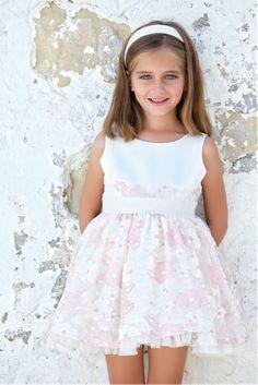 Vestidos de arras y celebraciones para niñas
