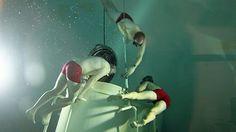 Sicherheitstaucher sichern den Uboot-Ausstieg in 30 Metern Tiefe ab.