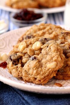Chewy oatmeal cookies with a delightful combination of white chocolate morsels and tart dried cherries for a little sweet, a little tart and repeat. Vanishing Oatmeal Cookies, Best Oatmeal Cookies, White Chocolate Chip Cookies, Oatmeal Cookie Recipes, Cherry Cookies, Cranberry Cookies, Dried Cherries, Tart Cherries, Cherry Tart