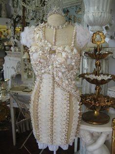 Magnificent seashell dress.
