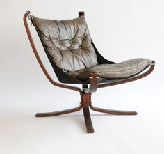 Sigurd Resell, Falcon Lounge Chair for Vatne, 1971. Habitat Furniture, Brown Leather Chairs, Danish Chair, Compact Table And Chairs, Floor Protectors For Chairs, Luxury Chairs, New Home Designs, Vintage Chairs, Unique Furniture