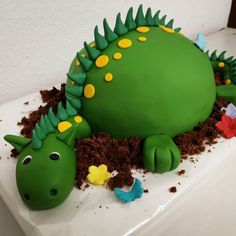 Dino by Jessica - Children& Birthday: deco, recipes, game ideas, invitation card . Easter Cupcakes, Fun Cupcakes, Wedding Cupcakes, Cupcake Cookies, Cupcake Flower Pots, Dino Cake, Cookies For Kids, Pumpkin Spice Cupcakes, Easter Dinner