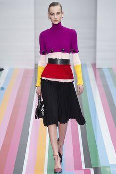 Salvatore Ferragamo Fall 2016 Ready-to-Wear Fashion Show - Feminine