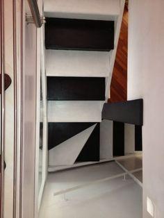 Scala black & white Bookcase, Stairs, Shelves, Black And White, Home Decor, Ladders, Shelving, Black White, Homemade Home Decor
