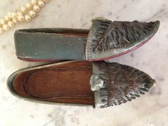 antique Moroccan leather shoes with metal by histoireancienne Blue In Green, Green Leather, Moccasins, Loafers Men, Leather Shoes, Moroccan, Oxford Shoes, Dress Shoes, Slippers