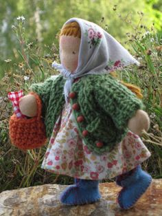Busy little girl by Puppenliesl, via Flickr