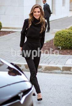 Queen Rania, Normcore, Style, Fashion, Dress, Swag, Moda, Fashion Styles, Fashion Illustrations
