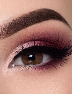 Which eyeliner color stands out best in dark eye make-up? - - Which eyeliner color stands out best in dark eye make-up? – make up - Dark Eye Makeup, Skin Makeup, Eyeshadow Makeup, Gel Eyeliner, Eyeshadow Palette, Small Eyes Makeup, Makeup Brushes, Color Eyeliner, Eyeshadow Ideas