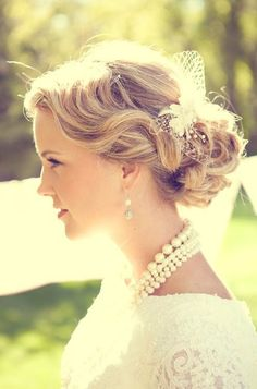 Bridal Hair - 25 Wedding Upstyles & Updo's - This look shows waves neatly pulled back to form a low bun with a netted accessory placed ontop. Coque Vintage, Vintage Updo, Vintage Hairstyles, Up Hairstyles, Pretty Hairstyles, Wedding Hairstyles, Vintage Bridal, Vintage Glam, Celebrity Hairstyles