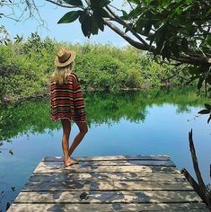 21 Snaps That Serve Up Ultimate Outfit Inspiration For Your Next Vacation: If you're counting down the days until you jet off to an island and you're about to whip out your suitcase, we rounded up the most gorgeous — and smartest! Boho Fashion, Vintage Fashion, Fashion Design, Fashion Photo, Hippie Stil, Striped Cardigan, Poses, Summer Of Love, Popsugar