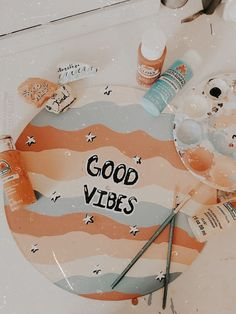 Discover recipes, home ideas, style inspiration and other ideas to try. Simple Canvas Paintings, Small Canvas Art, Cute Paintings, Diy Canvas Art, Aesthetic Painting, Aesthetic Art, Aesthetic Drawing, Summer Aesthetic, Aesthetic Makeup