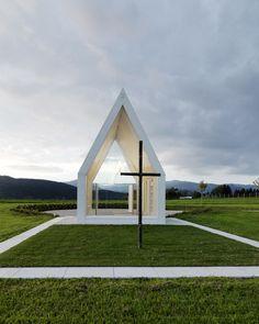 Maria-Magdalena-chapel-by-Sacher-Locicero-Architectes-photo-Paul-Ott_dezeen_468_14
