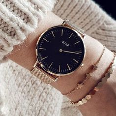@melissa.deveci This La Bohème model features an ultrathin case with a 38 mm diameter, crafted with precision. Black and rose gold are combined with a stainless steel mesh strap. The strap is easily interchangeable, allowing you to personalise your watch.