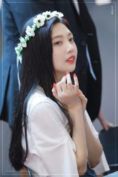Find images and videos about kpop, red velvet and joy on We Heart It - the app to get lost in what you love. Seulgi, Kpop Girl Groups, Korean Girl Groups, Kpop Girls, Red Velvet Joy, Red Velvet Irene, Extended Play, Red Velet, Hipster Wallpaper