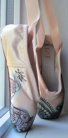 Mehndi Pointe Shoes, Hand Dyed and Painted.