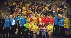 Selecţionata feminină de handbal a României a terminat pe primul loc, turneul preolimpic desfășurat in Danemarca, după ce a terminat la egalitate cu Muntenegru, scor 23-23 (15-11). România a câştigat turneul, cu 5 puncte (+24), urmată de Muntenegru, 5 p (+19), în timp ce Danemarca și Uruguay nu au niciun punct înaintea meciului direct de duminică seara. În primele două partide, România a învins Danemarca, scor 32-25, şi Uruguay, cu 36-19. | Stiri sportive