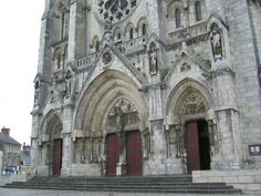 2007 St Andre cathedral, downtown Chateauroux