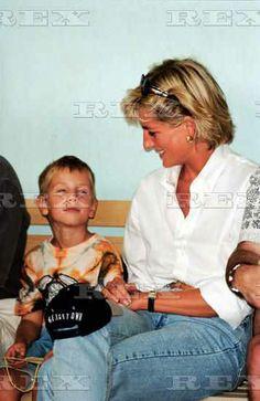 Princess Diana Promoting the Landmine Survivors Network, Bosnia - Aug 1997