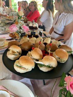 High Tea, Hamburger, Catering, Chicken, Ethnic Recipes, Desserts, Food, Tea, Tailgate Desserts