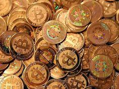 Bitcoins zijn een belangrijk middel voor het criminele betalingsverkeer. Zo belangrijk dat TNO ze uitvoerig behandelt in zijn cursussen cybercrime die aan het mkb, justitie en misschien wel criminelen gegeven worden. Wat moet jij weten om als cybercrimineel veilig aan de slag te kunnen? Peter de Ruiter praat je bij over de stand van zaken in dit kat-en-muisspel.