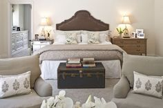 Soft Brown Beds Furniture Sets and Neutral Theme Decoration in Luxury Bedroom Decorating Design Ideas