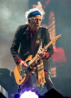 "Stones Please Don`t Stop: Keith Richards Feliz ""Stones"" Cumpleaños (Happy ""Stones"" Birthday!) Keith Richards, Rolling Stones Logo, Bill Wyman, Ron Woods, Best Rock Bands, Stevie Ray Vaughan, David Gilmour, Rocker Style, Jimmy Page"
