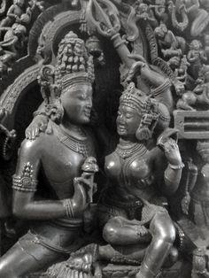 Shiva & Parvati, symbols of male and female union Angkor, Temple Indien, Hindu Statues, Indian Goddess, Hindu Deities, Hindu Art, Sacred Art, Lord Shiva, Gods And Goddesses