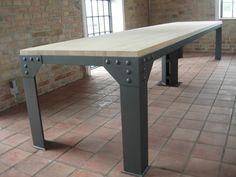 Interiérový stůl velký