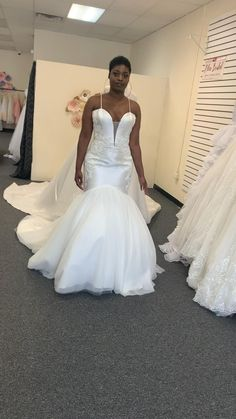 Tulle Wedding, White Wedding Dresses, Wedding Dress Styles, Mermaid Wedding, Amazing Wedding Dress, Dress Rings, African Dress, Lace Applique, Alternative