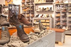Palladium boot store, New York store design Shop Interior Design, Retail Design, Store Design, Visual Merchandising, Palladium Boots, Creative Shoes, Boutique Decor, Boots Store, Wear Store