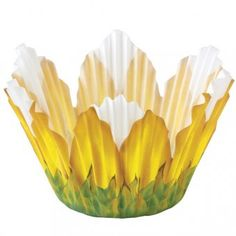 Bake a pretty sunflower in full bloom! Perfect for Birthday and Mother's Day cupcakes.