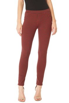 A very flattering fall staple pant. This pant has a slight high rise waste with front and back pocket design. Great for a classy casual look.  High Rise Jeggings by Sanctuary. Clothing - Bottoms Canada
