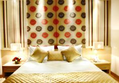 Hotels in Delhi understands the effect of perfect color mix with appropriate effects of Lights. Enjoy a  good time with your loved ones. http://www.jivitesh.com/blog/a-snug-little-retreat-in-new-delhi