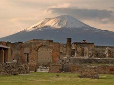 Take a virtual tour of houses in Pompeii