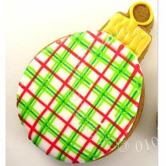 plaid christmas ornament (sweet art)