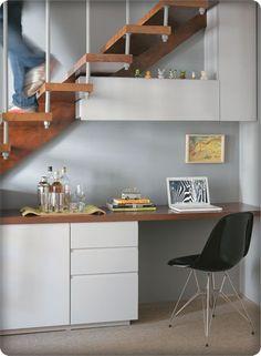MULHER DE CAMA E MESA: Sabe aquele espaço embaixo da escada?