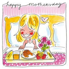 Moeder krijgt een ontbijt op bed op Moederdag
