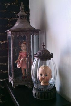 would be great Halloween decoration. I think my mom still has some of my sisters old dolls, I will use hers. Retro Halloween, Halloween Prop, Halloween 2019, Holidays Halloween, Halloween Crafts, Happy Halloween, Hallowen Ideas, Scary Dolls, Terrarium Diy