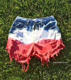 How to DIY American Flag Shorts: Bleached  Dip-Dyed - amazing  fun!