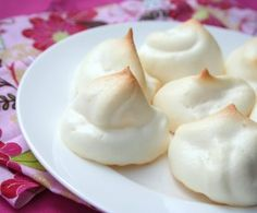 Sugar-Free Meringues (Low Carb and Gluten-Free)