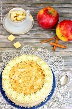Tort cu mousse de mere coapte şi scorţişoară Something Sweet, Biscuits, Dairy, Sweets, Cookies, Desserts, Food, Dessert, Kitchens