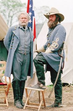 Still of Tom Berenger and Martin Sheen in Gettysburg.  Gettysberg is one of my favorite movies