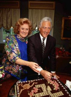 Joan and Richard Joan Sutherland, Opera Singers, Composers, Special People, Call Her, Classical Music, Candid, Divas, The Voice