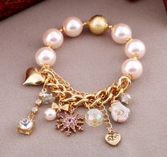 BETSEY JOHNSON PINK CRYSTAL SNOW CUTE GLOVES PEARLS STRETCH BRACELET New