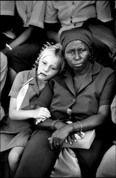 Photo by Ian BERRY - South Africa, 1994, the same year Apartheid officially ended - http://www.ianberrymagnum.com - #BwLovedByPascalRiben