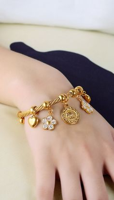 Pendant Charm Rope Bangle Bracelet in Gold Gold Bracelet Crystal Chunky Charm Rope Bangle Statement Fashion Jewelry for Women ()Gold Bracelet Crystal Chunky Charm Rope Bangle Statement Fashion Jewelry for Women () Gold Bangles Design, Gold Jewellery Design, Fashion Bracelets, Fashion Jewelry, Women Jewelry, Hand Jewelry, Simple Jewelry, Jewelry Rings, Mode Statements
