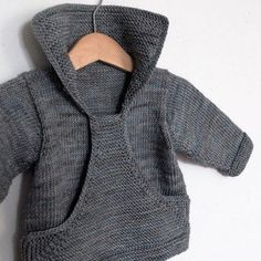 Neuen Ravelry: Pull Gaspard pattern by Christine Rouvillé., Ravelry: Pull Gaspard pattern by Christine Rouvillé. Baby Knitting Patterns, Knitting For Kids, Baby Patterns, Crochet Patterns, Baby Sweater Patterns, Cardigan Pattern, Free Knitting, Knit Or Crochet, Crochet Baby