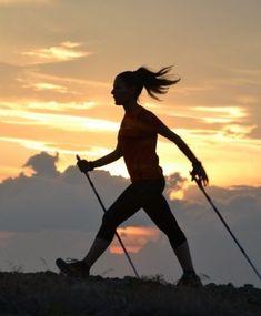 Польза скандинавской ходьбы для здоровья Nordic Walking, Fitness Activities, Physical Activities, Marathon, Walking Poles, Walking Exercise, Winter Outfits Men, Sound Healing, Low Impact Workout