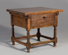 #fotocaption11793 Furnitures, Antique Furniture, Nightstand, Tables, Woodworking, Antiques, Home Decor, Spanish, Centerpieces